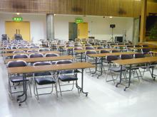 小ホール会議室:3人掛け72名